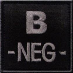 Groupe sanguin B négatif brodé sur tissu noir