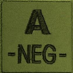 Groupe sanguin A négatif brodé sur tissu vert OD